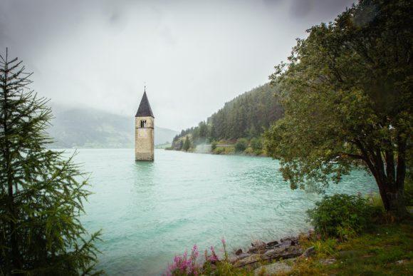 Curon: il vecchio campanile in mezzo al lago